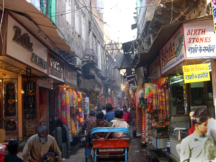 1. Explore the by-lanes of Chandani Chowk